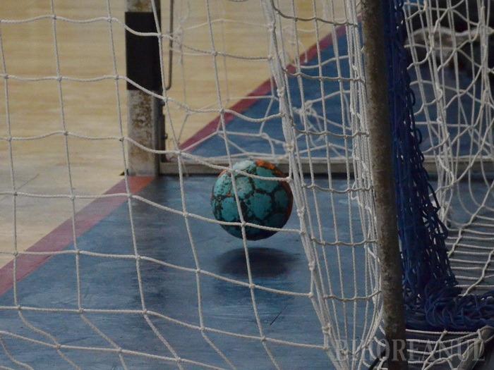 Handbaliştii de la CSM Oradea au pierdut cu 29-30 ultimul joc amical al iernii