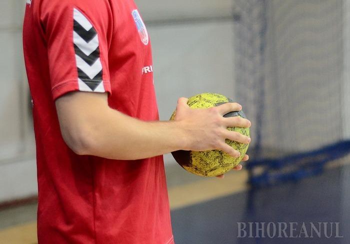 Meci pe teren propriu cu liderul, în debutul returului de campionat, pentru handbaliştii de la CSM Oradea
