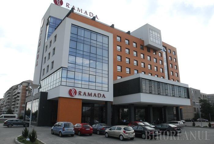 Proprietarul hotelului Ramada a intrat în insolvenţă