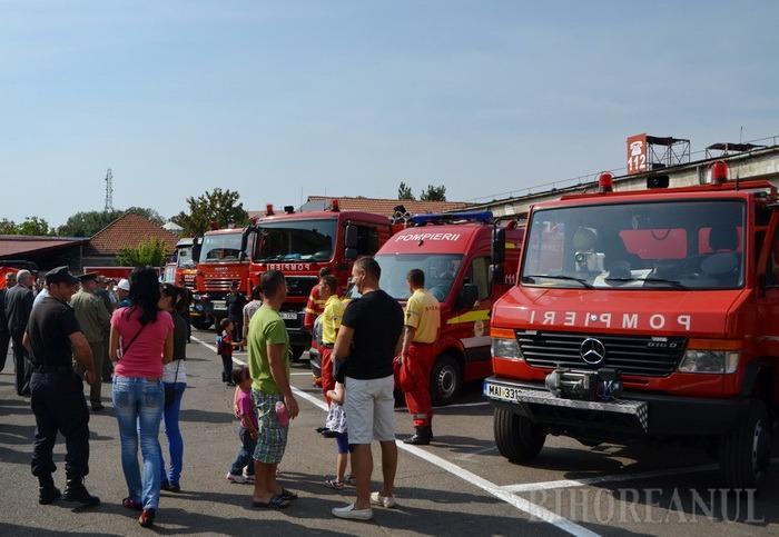 Pompierii îşi deschid porţile, de Ziua Protecţiei Civile