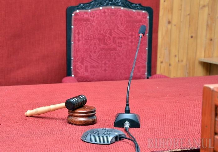 Judecătorii Raluca Beatrix Cuc, Denisa Vidican, Florica Roman și Ovidiu Galea au fost repuşi în funcţii