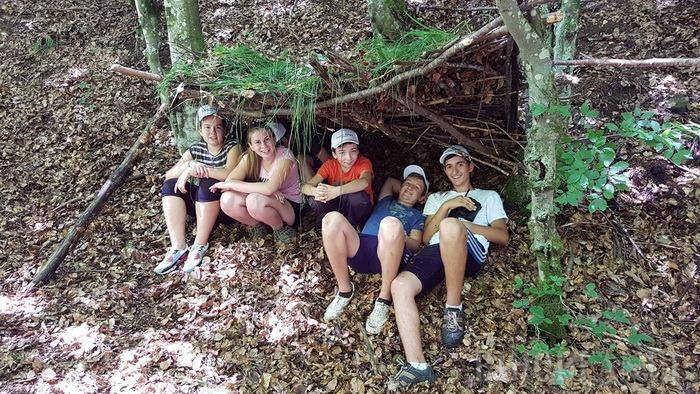 Au învăţat să fie junior rangeri! 24 de elevi bihoreni au petrecut o săptămână în mijlocul munţilor (FOTO)