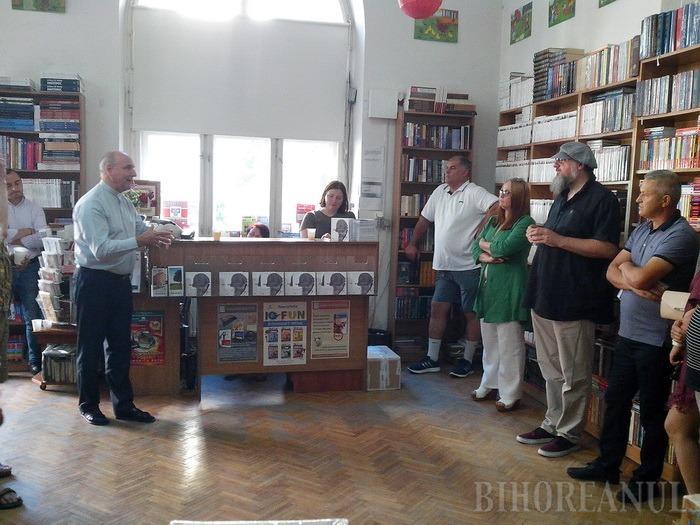 Sunt singular. Cunoscutul bluesman AG Weinberger a lansat prima sa carte la Oradea (FOTO)