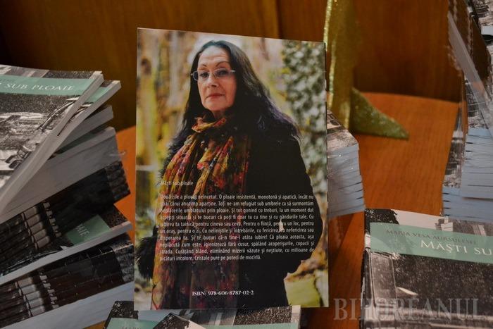 Cărţi din revistă: Două volume cu texte apărute în revista Zi de Zi au fost lansate la Primărie (FOTO)