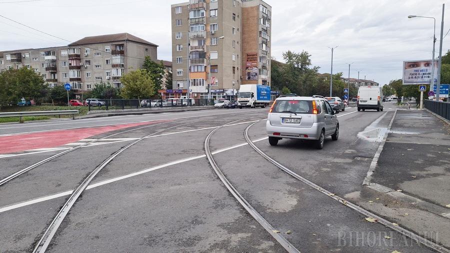 Lucrările de construire a noii linii de tramvai au ajuns în dreptul sălii de sport a Universităţii (FOTO / VIDEO)