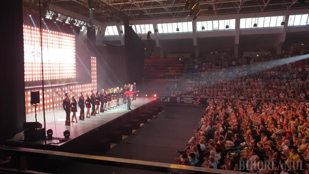 Luptă în paşi de dans: 2.000 de orădeni au fost cuceriţi de discipolii lui Michael Flatley, la spectacolul Lord of the Dance (FOTO / VIDEO)