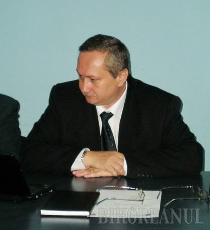 Şeful Inspectoratului Şcolar, în carantină, din cauza gripei porcine