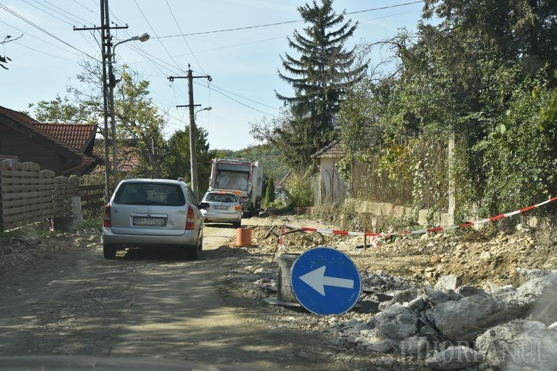 Drumul de Fughiu prin Podgoria a fost amenajat la nivel de balast. Se poate circula prin şantier (FOTO / VIDEO)