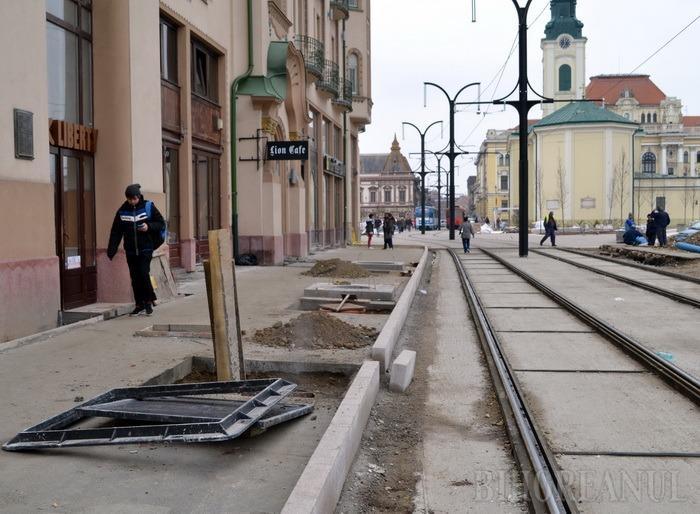 Lucrările din centru continuă cu reabilitarea străzilor Independenţei şi Vasile Alecsandri