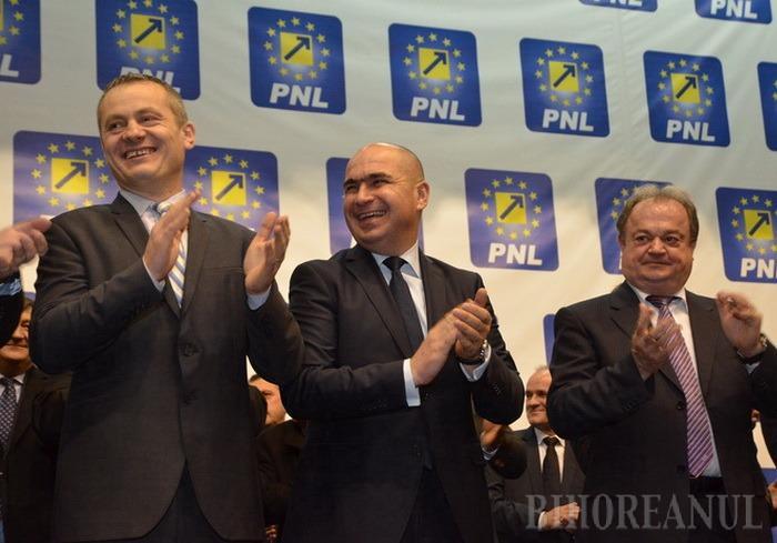 Tandemul Bolojan-Mălan la prezentarea candidaţilor PNL: Să nu dea în liberali cei ce n-au făcut nimic pentru Oradea şi Bihor, iar alegătorii să judece după fapte