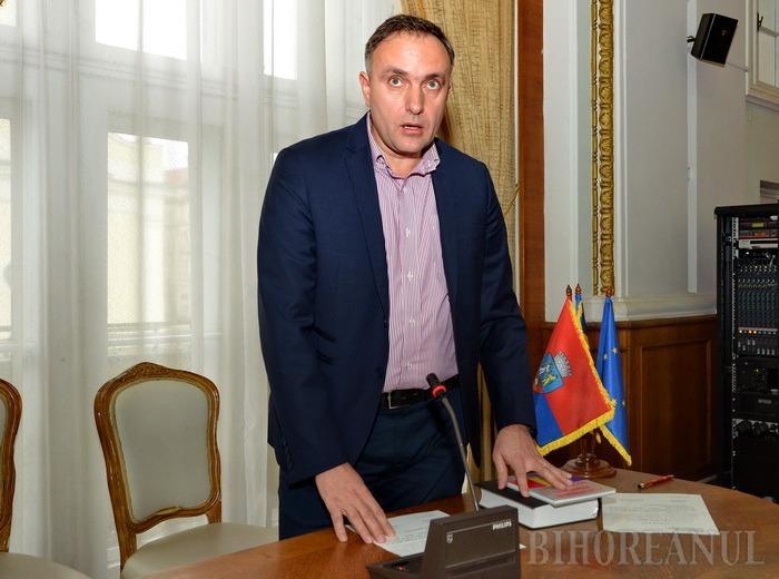 Cristian Puşcaş a fost înlocuit în Consiliul Local cu Marcel Dragoş, şeful Serviciului Cadastru din cadrul OCPI Bihor