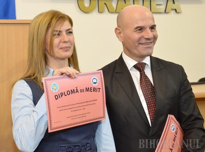 PĂRERI OPUSE. Prorector responsabil de managementul resurselor materiale şi patrimoniu, Marcela Prada (foto stânga) a câştigat şi un mandat de senator al Universităţii. În timp ce ea nu se consideră incompatibilă, preşedintele interimar al Senatului, Sorin Curilă (foto dreapta), susţine că trebuie să aleagă dacă rămâne prorector sau senator