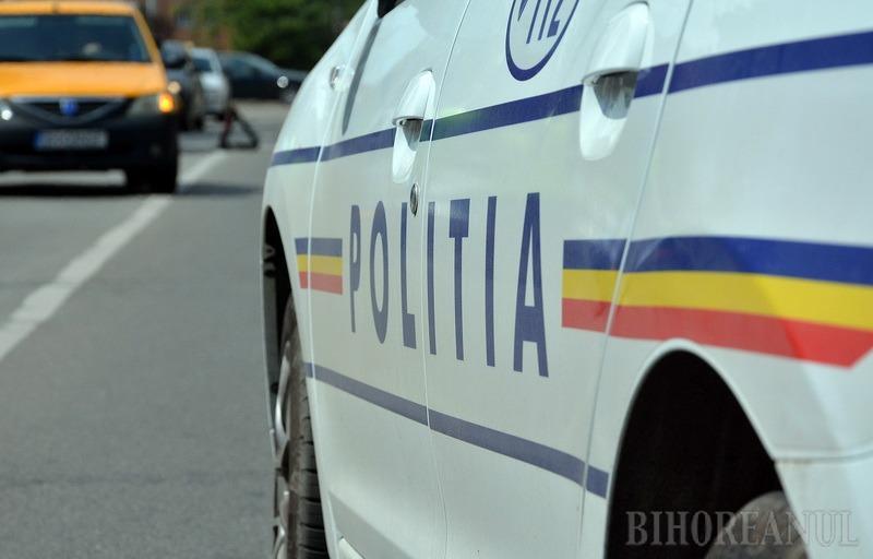 Curat ghinion! Un mopedist lovit de un TIR a fost prins că circula, de fapt, fără permis şi cu un vehicul neînmatriculat