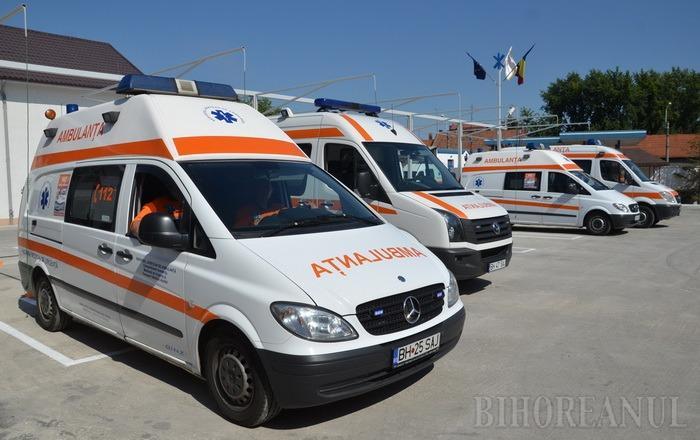 Marea familie a Ambulanţei: Serviciul Judeţean de Ambulanţă s-a transformat în cuib de neamuri şi piloşi!
