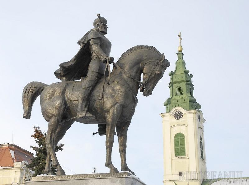 Statuia voievodului Mihai Viteazul urmează să fie mutată în Parcul 1 Decembrie în zona Casei de Cultură a Sindicarelor.