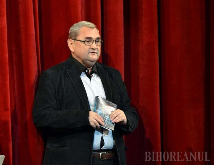 """Prof.univ. Mircea Morariu, câştigător al premiului UNITER: """"La Teatrul orădean impresia e de improvizaţie"""""""