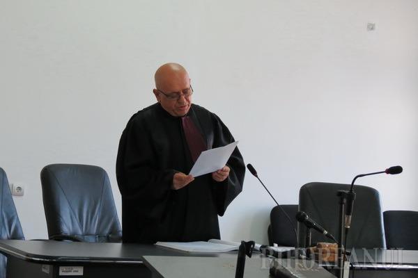 Judecătorul Traian Munteanu a pronunţat, luni, sentinţa în cazul fugii din ţară a omului de afaceri Omar Hayssam