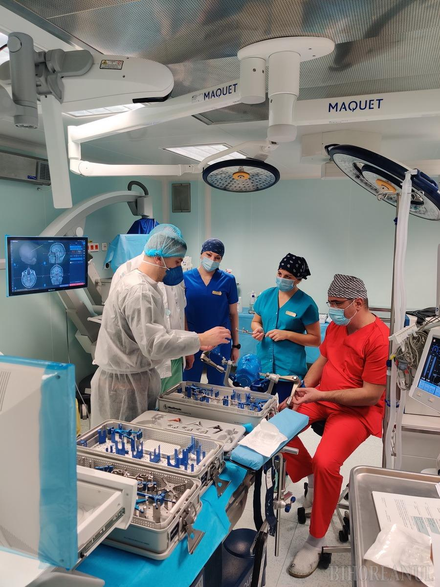 Noi dotări de vârf la Spitalul Judeţean din Oradea: încă un Computer Tomograf şi un aparat de neuronavigaţie