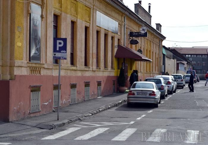 Hopa Millică: Pizzeria Old Mill a şpăgarului de la Pensii s-a redeschis... pe altă firmă!