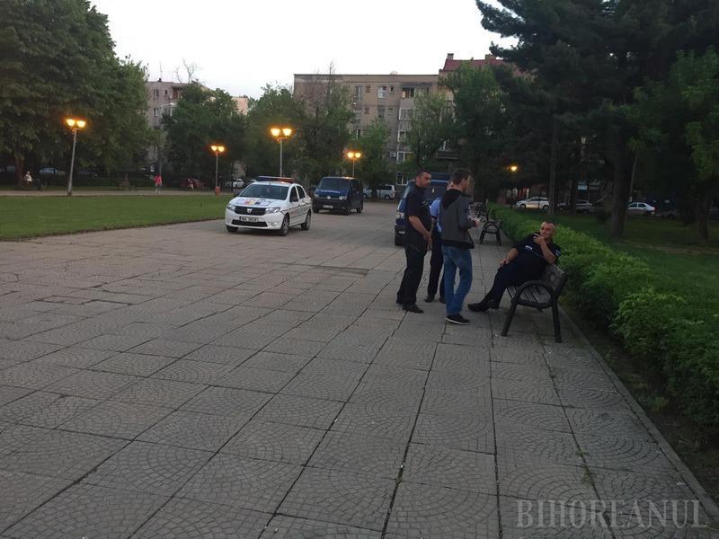 Pachet suspect, detonat în Parcul 1 Decembrie din Oradea! (FOTO)