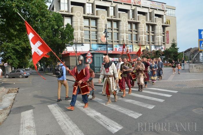 Vitejii Sfântului Ladislau au ieşit la paradă prin Oradea (FOTO / VIDEO)