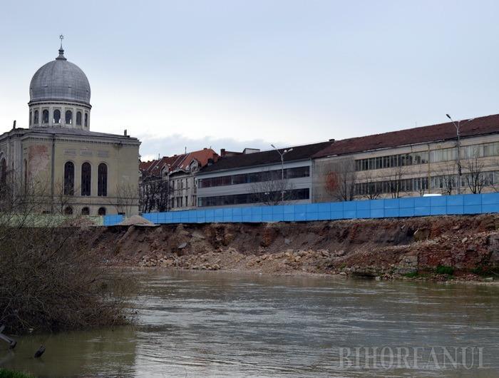 A treia licitaţie: Construcţii Bihor şi Rost Construct concurează pentru parcarea subterană din Piaţa Independenţei