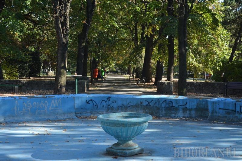 Oradea ieri, Oradea azi: Parcul Petöfi avea cândva pavilion pentru spectacole în aer liber, chioşcuri de alimentaţie şi o cofetărie