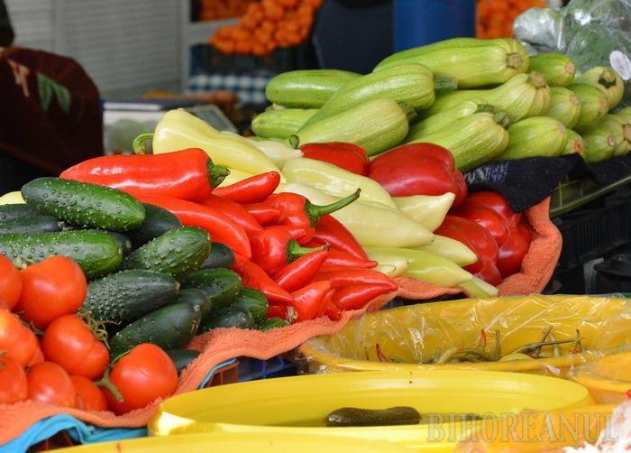 Legume şi fructe cu baiuri. Controalele în pieţe şi hipermarketuri din Bihor s-au lăsat cu amenzi de 32.000 lei