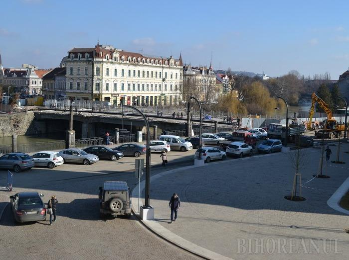 Constructorii au reluat lucrările de reabilitare a podului Sfântul Ladislau