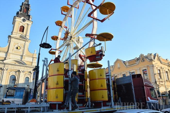 Orădenii, invitaţi în Piaţa Unirii: Începe Târgul de Crăciun! Astăzi pe scenă urcă Nicu Alifantis și Zan (FOTO)