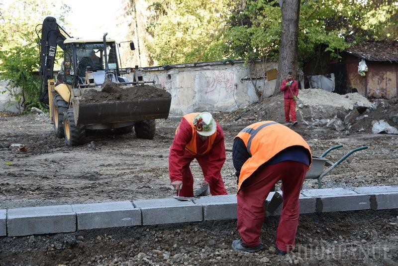 Operaţiunea Demolarea: Primăria Oradea amenajează 500 de parcări de domiciliu pe locul a 200 de garaje (FOTO / VIDEO)