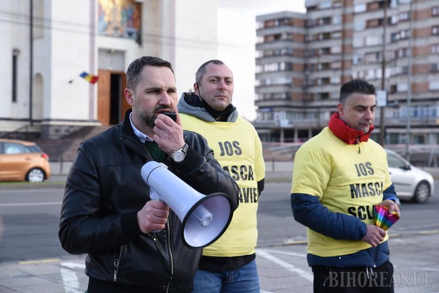 Un nou protest anti mască și anti vaccinare în Oradea, organizat de susținătorii controversatului deputat Mihai Lasca (FOTO / VIDEO)