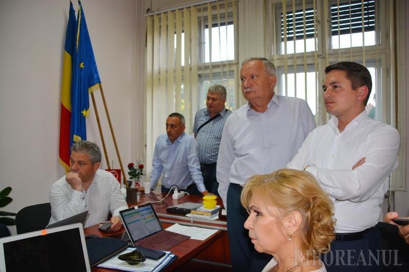 Dezamăgire la PSD Bihor: Rezultate incorecte, poate românilor nu le-a convenit că li s-au mărit salariile şi pensiile. Pavel nu mai merge la Bruxelles (FOTO / VIDEO)