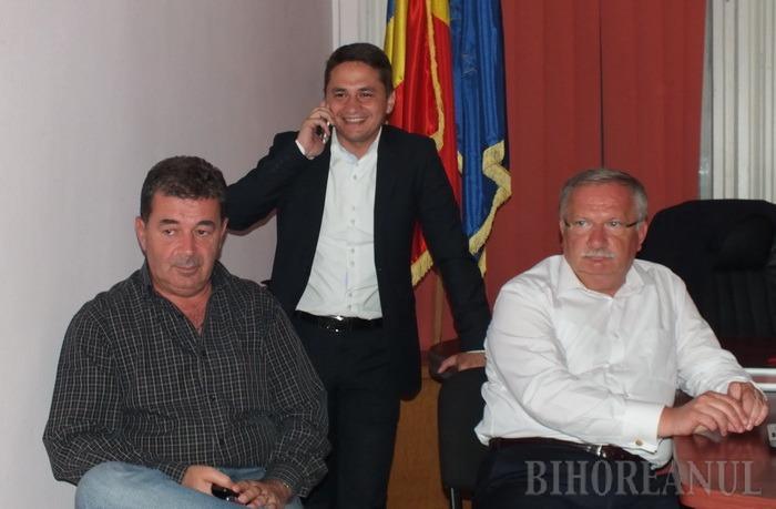 Bucurie la PSD Bihor, după afişarea rezultatelor exit-poll-urilor. Ioan Mang către Emilian Pavel: Fă-ţi bagajele! (FOTO/VIDEO)
