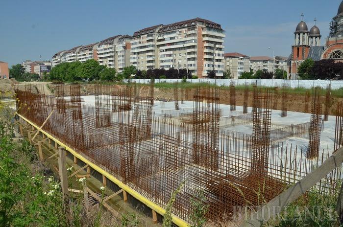 Consiliul Judeţean mai deschide un proces împotriva firmei Selina din cauza terenurilor vândute pentru construirea de blocuri în epoca Kiss