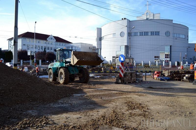 Lucrările din zona Bisericii Emanuel au ajuns în faza montării liniei de tramvai (FOTO)