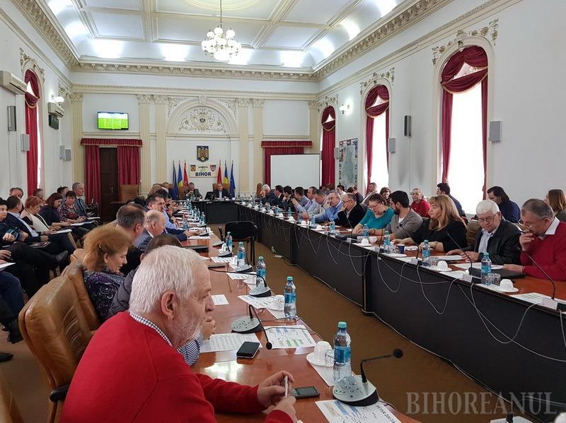 Consiliul Judeţean Bihor nu a mai discutat proiectul bugetului pe 2020 din cauza Guvernului: Alocarea fondurilor pentru asistenţa socială, sub plafonul legal