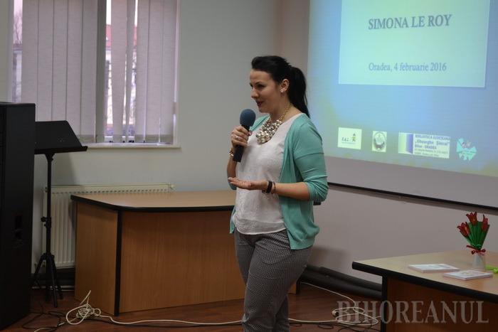 Părinţii orădeni, învăţaţi cum să alunge fricile copiilor de experta în educaţie Simona Iacob (FOTO)