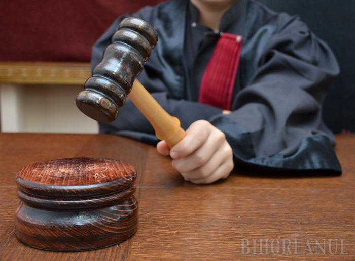 La loc comanda! Curtea de Apel Oradea a anulat adeverinţele cu care trei elevi daţi afară de la Bac la Ştei s-au înscris la facultate