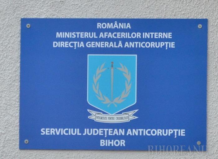 De Ziua Internaţională Anticorupţie, ofiţerii DGA le-au predat poliţiştilor locali din Oradea lecţii anti-şpagă (VIDEO)