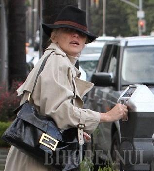 Sharon Stone, bătută?