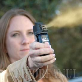 Un fost bodyguard a tâlhărit o orădeancă, atacând-o cu un spray lacrimogen