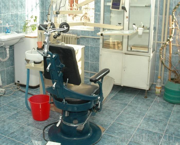 Mergeţi la dentist! Bihorenii, chemaţi la consultaţii stomatologice şi detartraje gratuite