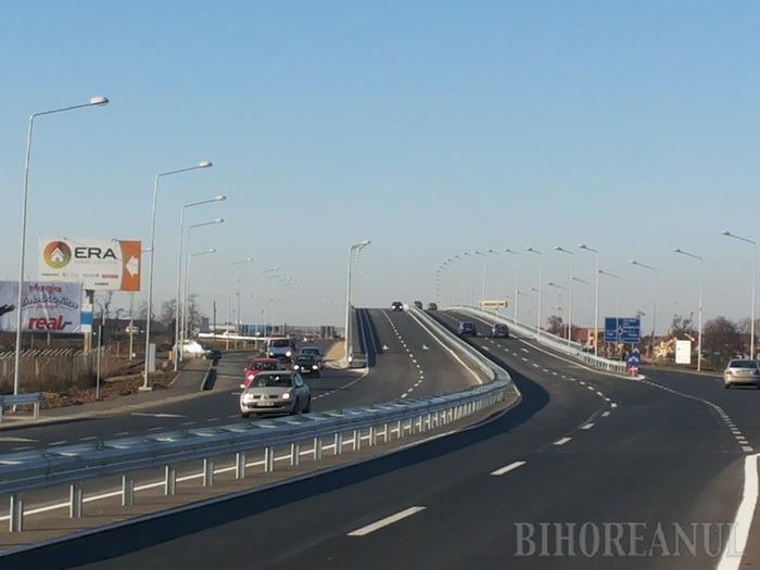 Circulaţi, vă rog! Şi pasajul suprateran peste intersecţia şoselei de centură cu DN 79 a fost deschis traficului (FOTO)