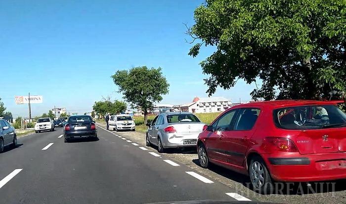 Vehicul al Armatei, implicat într-un accident cu trei maşini, lângă Oşorhei (FOTO)