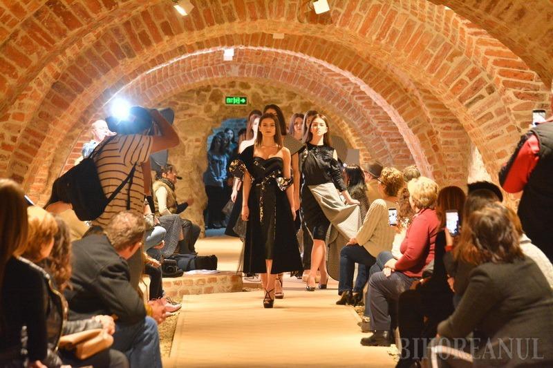 Modă în lapidariu: A început prima ediţie a Transilvania Fashion Week la Oradea (FOTO)