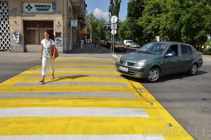 """Atenţie, şoferi! Primăria amenajează """"hopuri"""" pentru a descuraja circulaţia auto în zona centrală"""