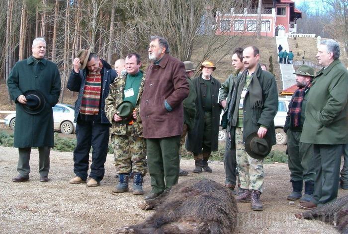 Bogătaşii Europei se adună la Balc ca să împuşte mistreţi pe domeniul  lui Ion Ţiriac