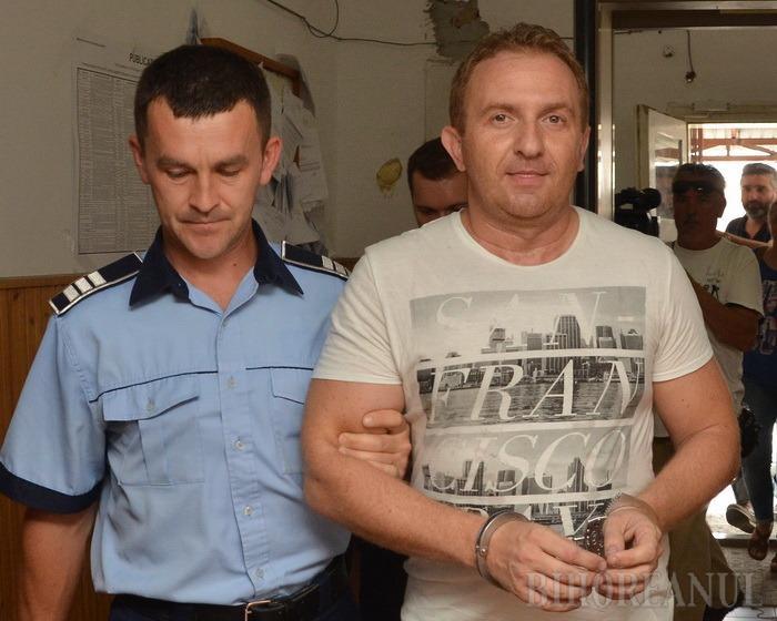 Fostul director al Colegiului Andrei Şaguna din Oradea a fost încarcerat. Răzvan Vonea, condamnat la închisoare cu executare!