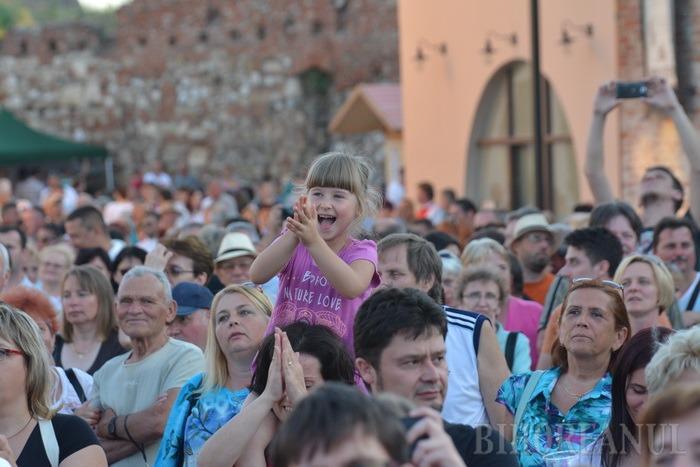 Show de tăiat lemne, jocuri pentru copii şi distracţie în Cetatea Oradea (FOTO / VIDEO)